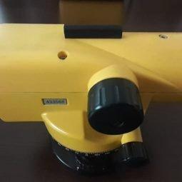 Leica Runner 24 - 24x - nivela optica cu urme utilizare